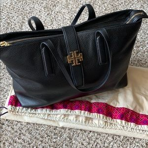 Tory Burch Bags - Tory Burch 'Plaque' Leather Tote